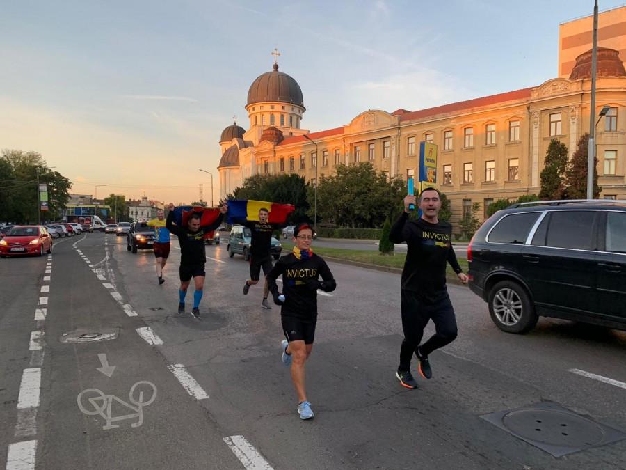Ștafeta Veteranilor a plecat din Cetatea Aradului spre Oradea. Go Invictus!