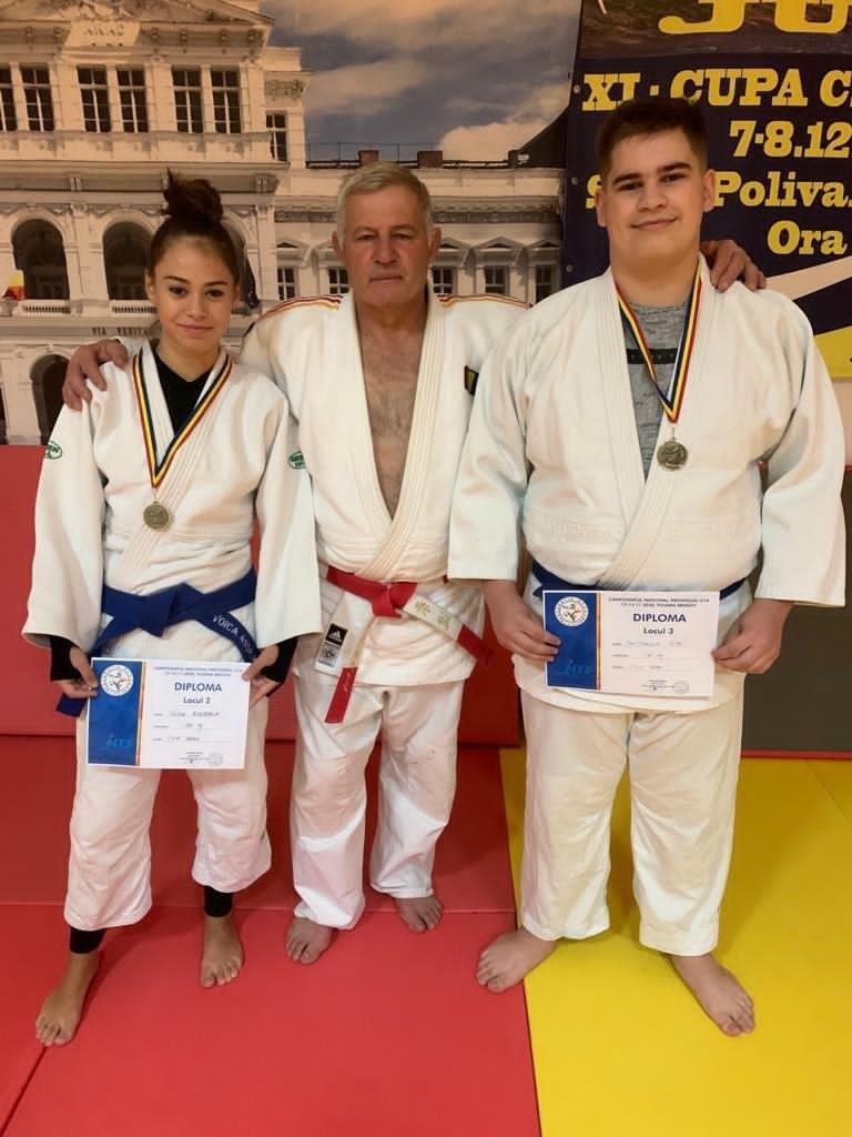 Campionatul naţional de JUDO JUNIORI 3 - POIANA BRAŞOV Judokanii de la CSM Arad, au venit cu 6 medalii