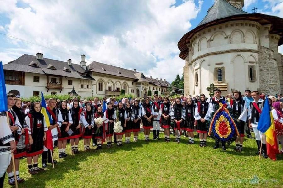 La mulți ani, Bucovina! În urmă cu 102 ani, la Cernăuți se adopta moţiunea unirii Bucovinei cu Regatul României