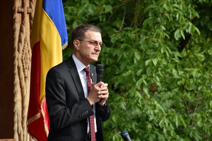 Ioan-Aurel Pop: Legătura din calendar dintre praznicul Sfântului Apostol Andrei şi Ziua Naţională a României este o împlinire a proniei cerești