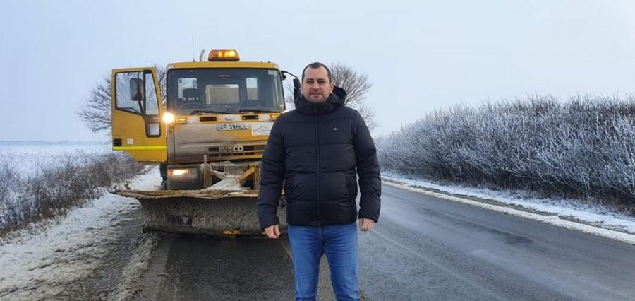 Cum se circulă pe drumurile din judeţ; ce tronson a fost cel mai afectat de ninsori (FOTO)