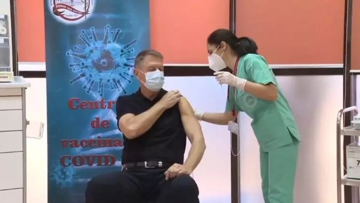 VIDEO - A început etapa a doua de imunizare. Klaus Iohannis s-a vaccinat, public