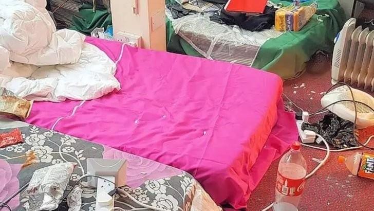 Șocant: Români exploatați în Marea Britanie. Au fost găsiți într-o magazie insalubră fără căldură și toaletă - Dosar de SCLAVIE