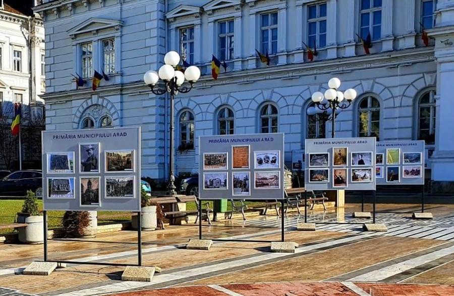 """""""Mica Unire în imagini"""", expoziție pe platoul din fața Primăriei Arad"""