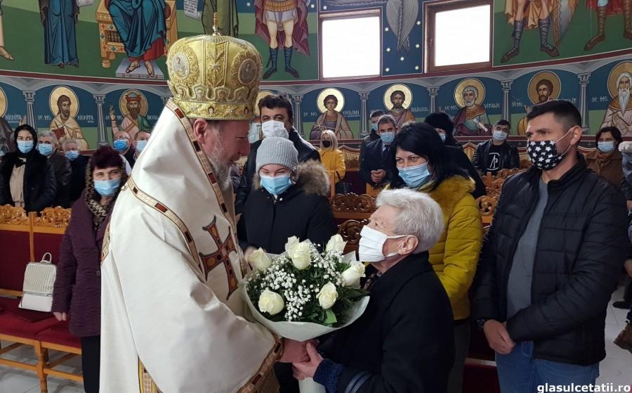 Preasfințitul Părinte Emilian Crișanul împlinește astăzi 49 de ani. Un an plinit în pandemie, cu și pentru credincioșii arădeni