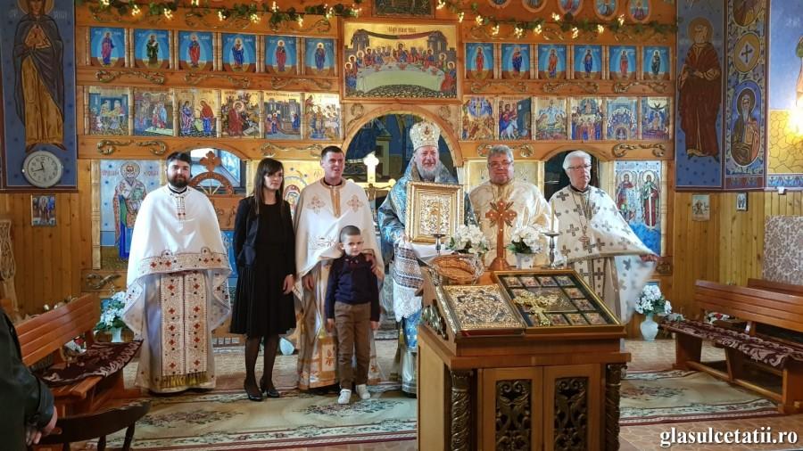 ÎN IMAGINI - Liturghie Arhierească în Duminica Izgonirii lui Adam din Rai, în Parohia Tălagiu