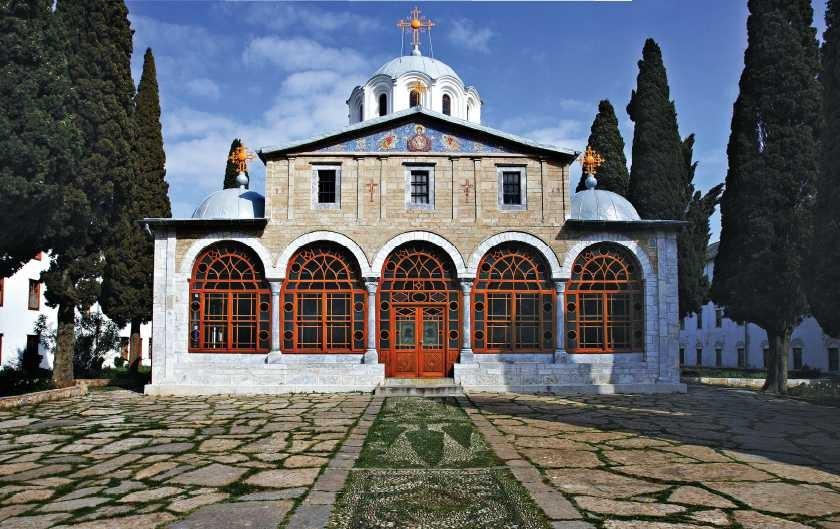 """Sprijin financiar pentru Schitul românesc """"Prodromu"""" de la Muntele Athos. Legea a fost promulgată"""