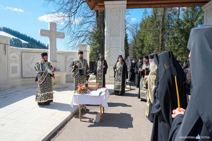 80 de ani de la masacrul de la Fântâna Albă. Programul manifestărilor la Portalul Memorial Golgota Neamului de la Mănăstirea Putna