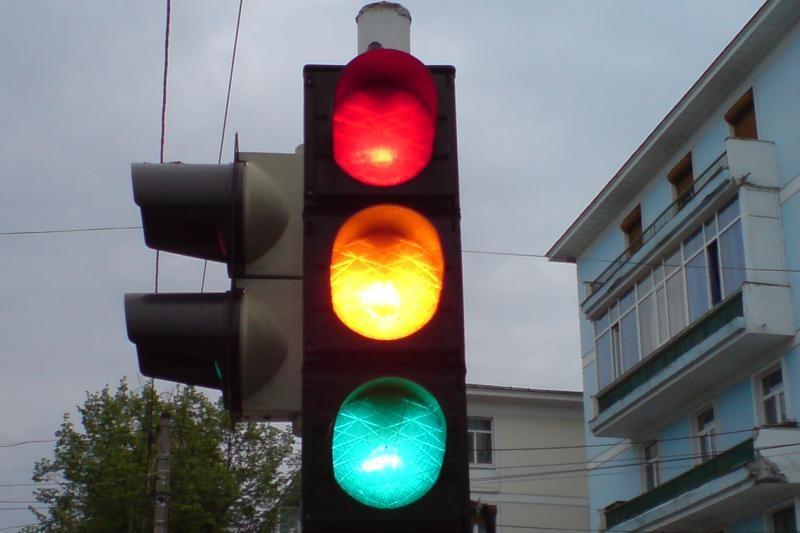 Între ce ore vor funcţiona semafoarele pe Calea Timişorii