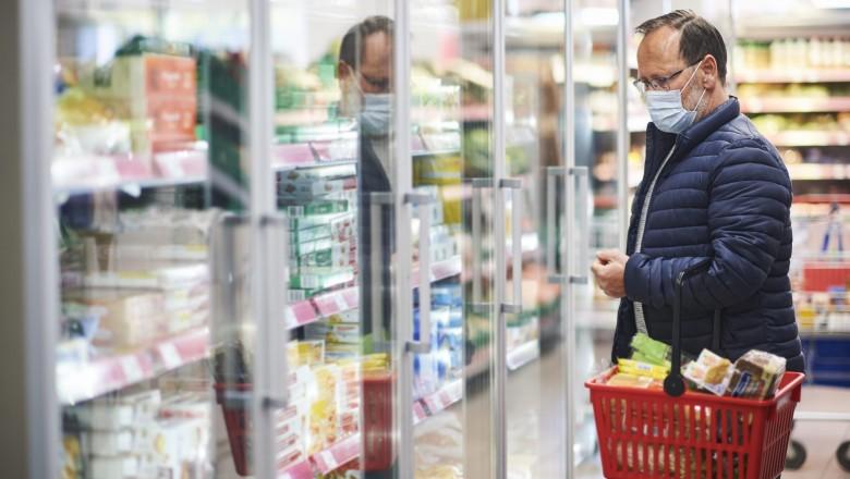 Românii plătesc preţuri diferite pentru alimentele de bază în funcţie de oraşul în care locuiesc