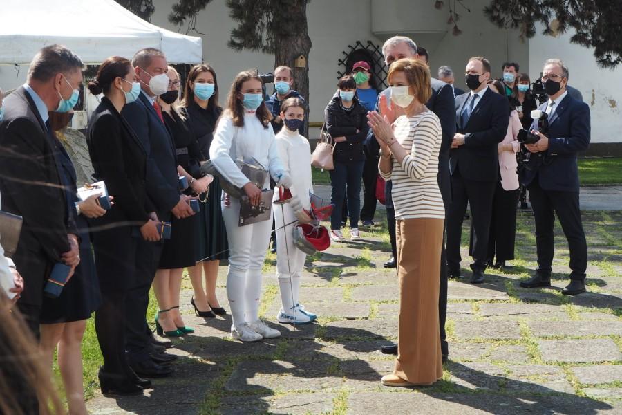 Campionii români de scrimă, felicitați de Familia Regală la Palatul Elisabeta