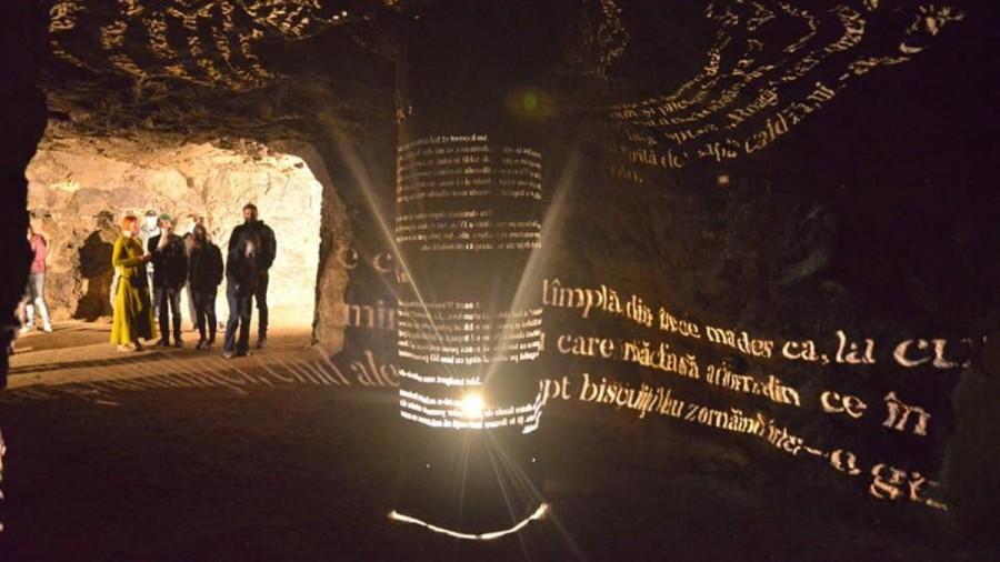 Primul muzeu de artă new media din România, deschis în catacombele din Braşov