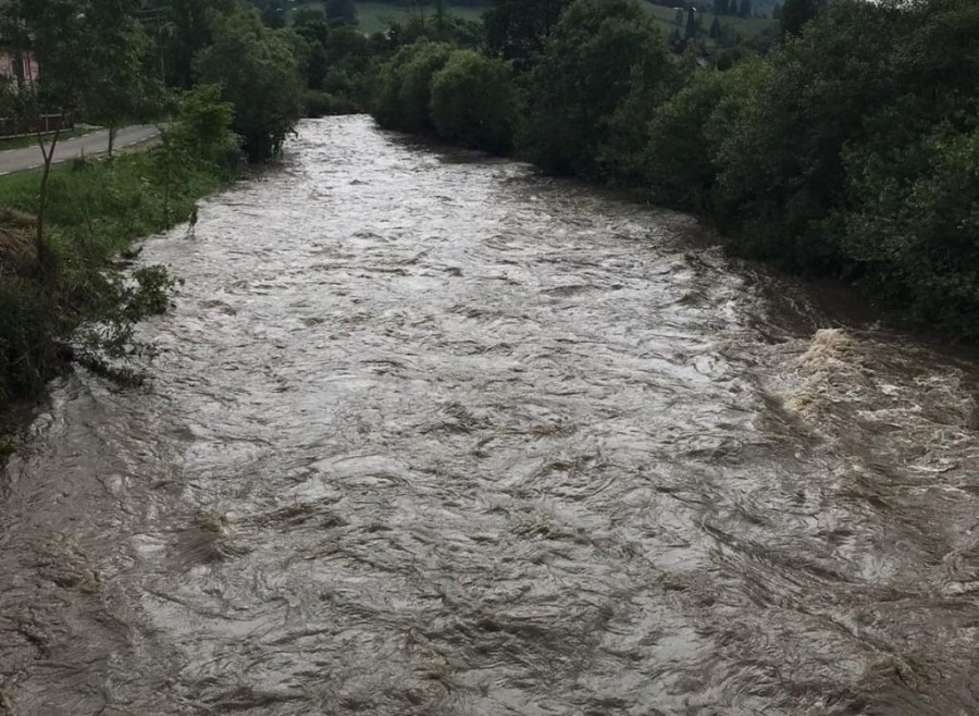 Avertizări Cod galben de viituri pe râuri din Transilvania şi Crişana, în orele următoare