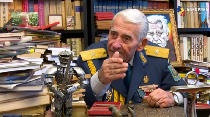 """Veteranul arădean de război Radu Theodoru, Președinte de onoare al Asociației de Reconstituiri Istorice """"Ferdinand I"""""""