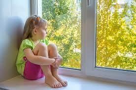 Aproximativ 1,5 mil. de copii și-au pierdut un parinte sau un îngrijitor din cauza COVID-19