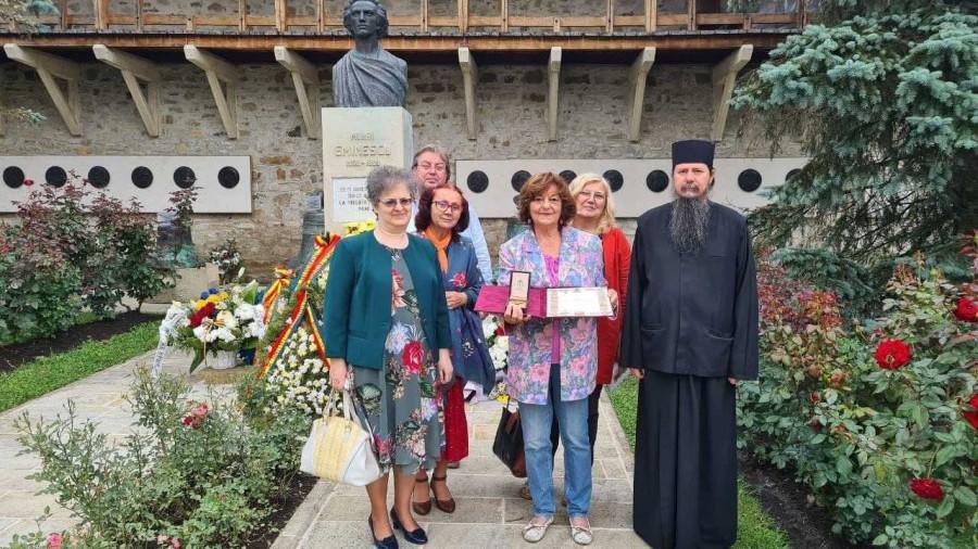 Poeta Ana Blandiana a primit Ordinul Sfântul Ierarh Iacob Putneanul