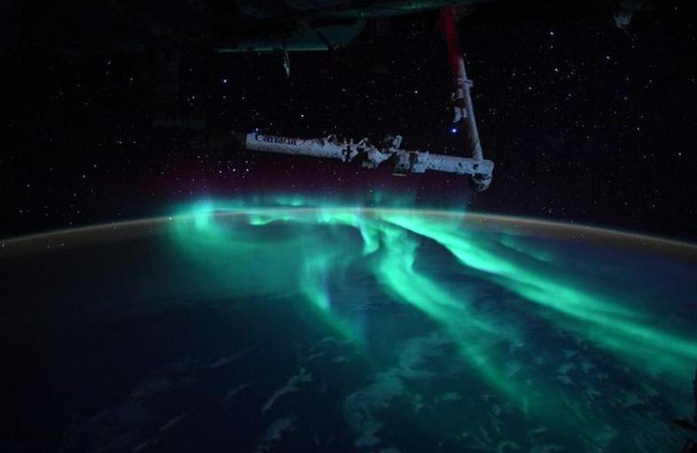 Fotografii spectaculoase cu Aurora australă făcute de un astronaut aflat în misiune pe Stația Spațială Internațională