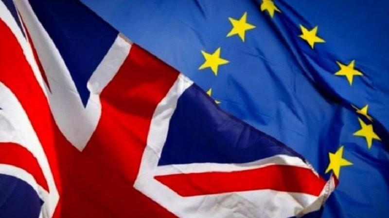 Pașaportul, OBLIGATORIU pentru călătoriile în Marea Britanie, de vineri - consecința Brexitului. Cine face excepție