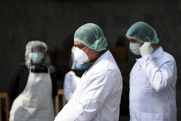 294 de îmbolnăviri la Arad din 14.467 de cazuri noi de persoane infectate cu SARS – CoV – 2 (COVID – 19)