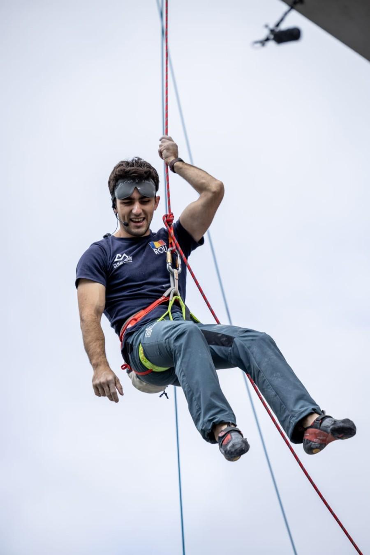 Răzvan Nedu este vicecampion mondial și cel mai titrat sportiv român la escaladă în acest moment. El și Ionela Grecu, doi dintre sportivii Lotului Național de Paraclimbing, vor reprezenta România la ultima Cupă Mondială de Paraclimbing din acest an.