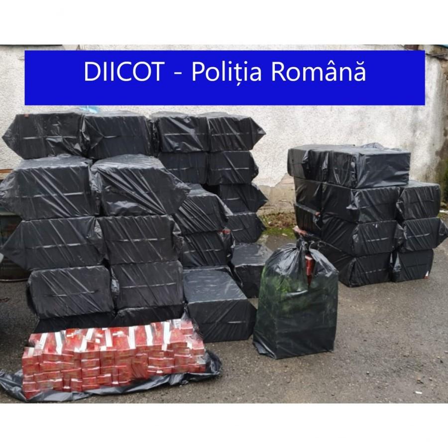 Un camion încărcat cu țigări de contrabandă a fost oprit în trafic, acesta aparținând unei grupări cu ramificații în județul Arad (VIDEO)
