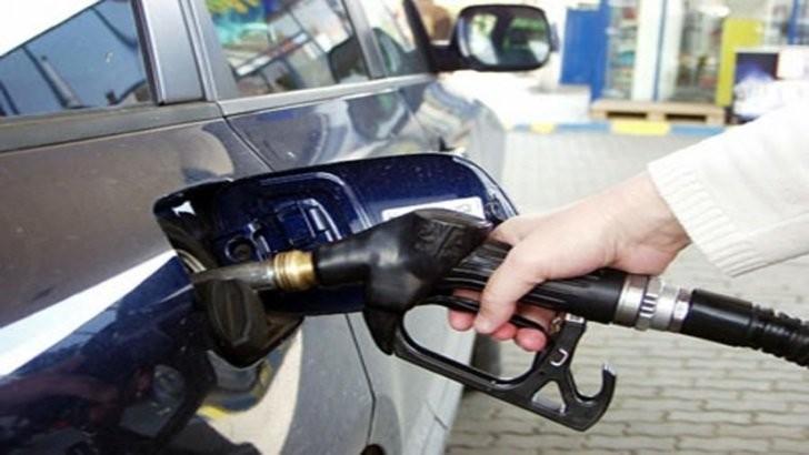 Un nou coșmar pentru români. Prețurile carburanților au luat-o razna, sunt cele mai mari din ultimii 7 ani