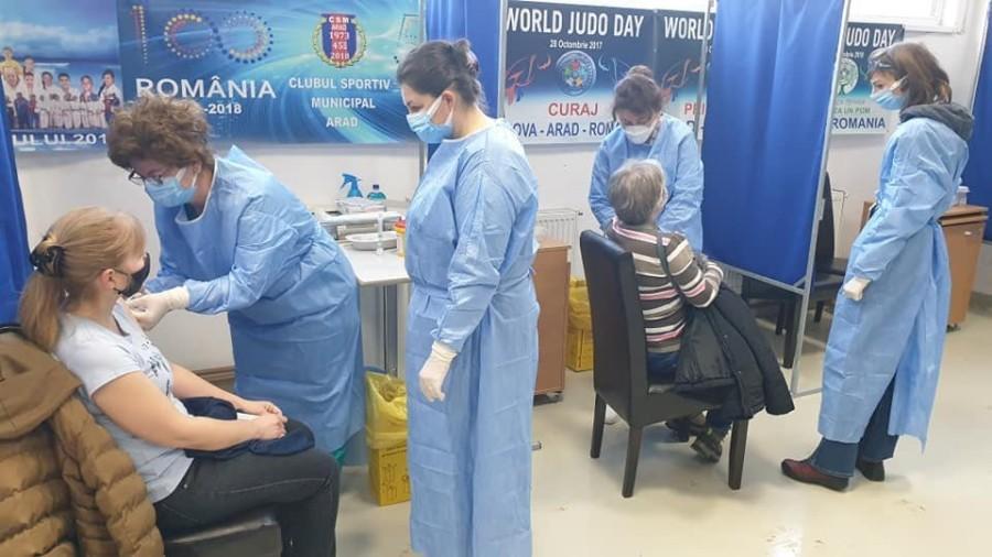 Centrul de vaccinare din Grădiște este deschis, începând de astăzi, 12 ore pe zi
