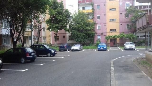 Se organizează licitaţii pentru parcările din centrul Aradului