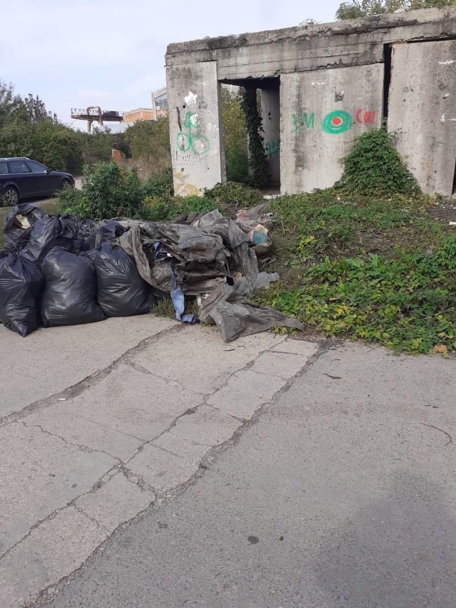 Proprietarii imobilelor folosite de persoanele fără adăpost să-şi facă culcuş riscă să rămână fără ele (FOTO)