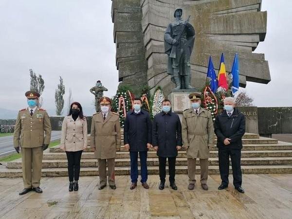 """Glad Varga: """"Ziua Armatei Române, un prilej pentru a onora nu numai eforturile şi sacrificiile forţelor noastre armate de-a lungul istoriei, ci şi implicarea în situaţii deosebite, cum este actuala criză pandemică"""""""