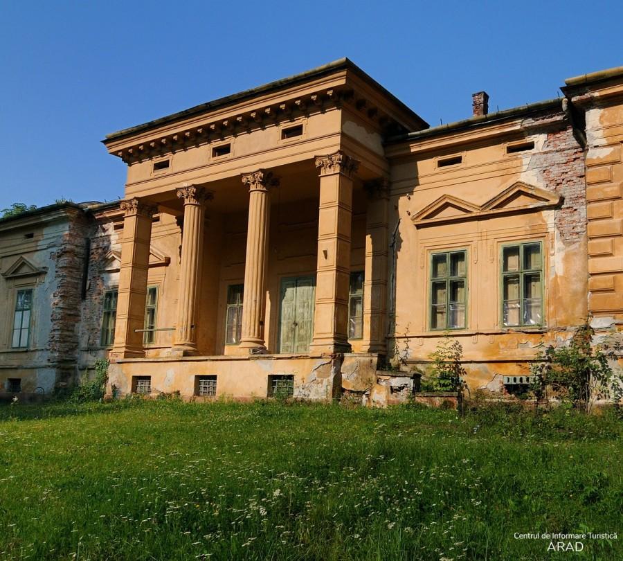 Castelul Konopi din Odvoş, comuna Conop