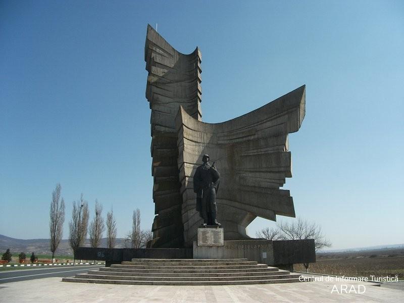 Monumentul Eroilor de la Păuliş